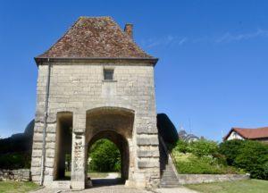 Porte de la ville d'Auxonne